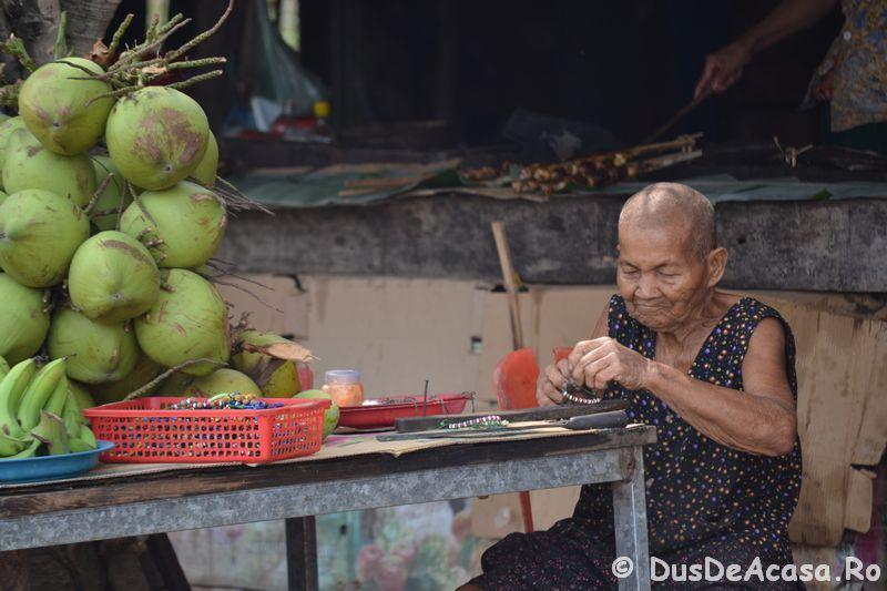 Oameni din Cambodia00146