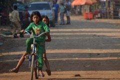 Oameni din Cambodia00043