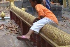 Oameni din Cambodia00109