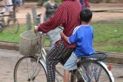 Oameni din Cambodia00114