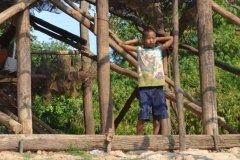 Oameni din Cambodia00123