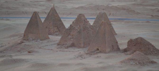 Intrarea în Sudan și călătoria prin deșert la Wadi Halfa și Karima (5)